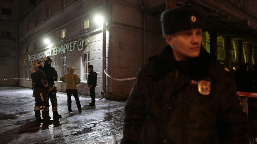 St. Petersburg: Bei dem Attentat auf einen Supermarkt in St. Petersburg sind mindestens 13 Menschen verletzt worden.