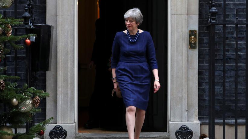 Großbritannien: Dem Bericht nach sollte der Anschlag vor dem Amtssitz Theresa Mays vollzogen werden.