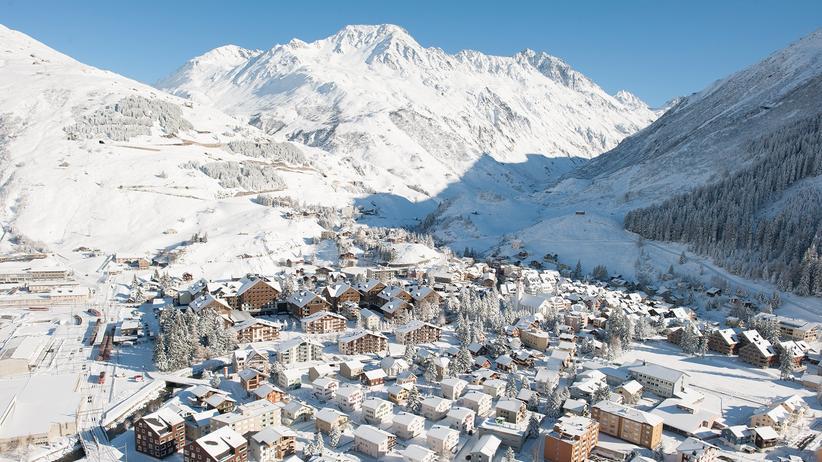Ski und Snowboard mit Schneegarantie