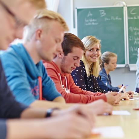 KRÜGER Internat und Schulen: Gemeinsam Lernen, zusammen Leben Vorsprung durch Bildung