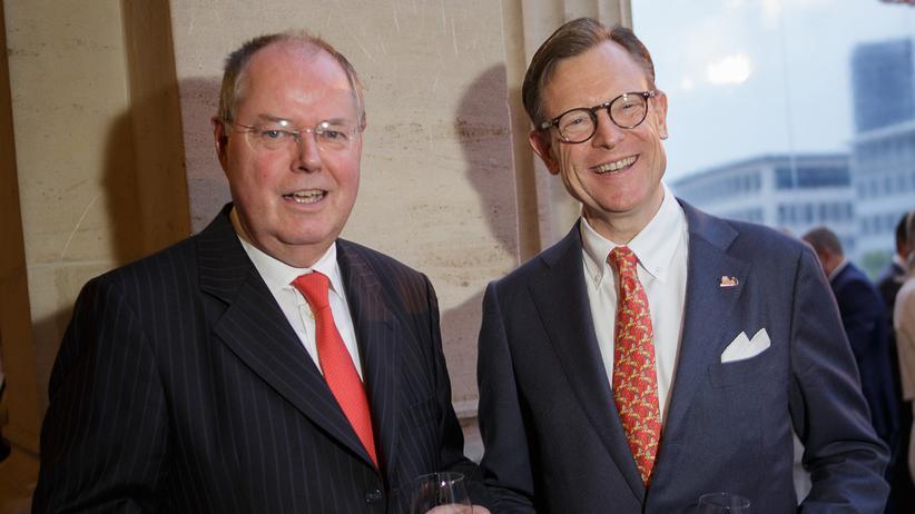 Genossen die Feierlichkeiten: Talk-Gast des Abends, Peer Steinbrück (li.), mit ING-DiBa-Vorstandschef Roland Boekhout