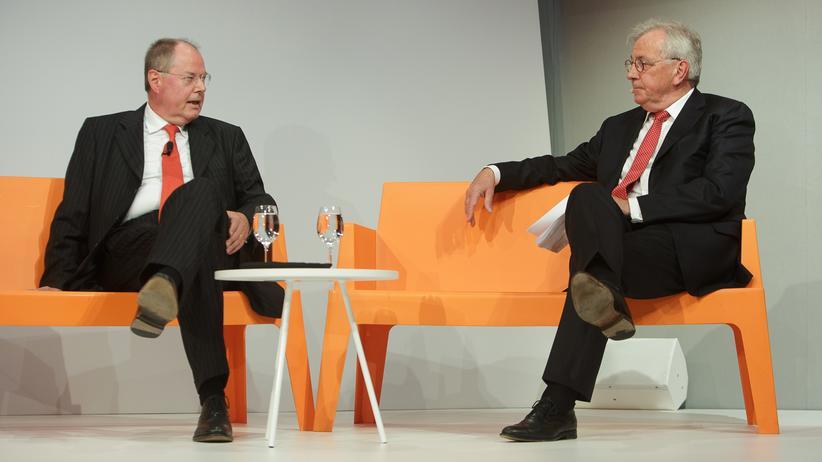 Peer Steinbrück und Hans-Werner Kilz: Nicht nur politisch Brisantes war Thema des Gesprächs. Auf dem Podium ging es später auch um die Digitalisierung des Journalismus und die Qualität der Printmedien