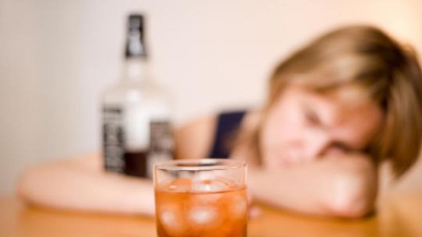 """Die Frage nach dem """"Schluck zuviel"""": Was, wenn der Partner gern mal trinkt?"""