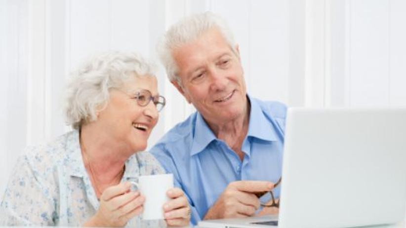 Einsamkeit kennt keine Rente - macht eine Online-Partnersuche mit 70+ überhaupt Sinn?