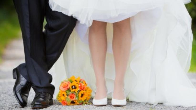 Pragmatismus vor Romantik - Fast vier von zehn Singles würden auf einen Ehevertrag bestehen