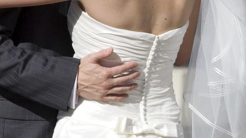 Heller die Glocken nie klangen - was die Ehe verspricht, vermag die Liebe zu halten