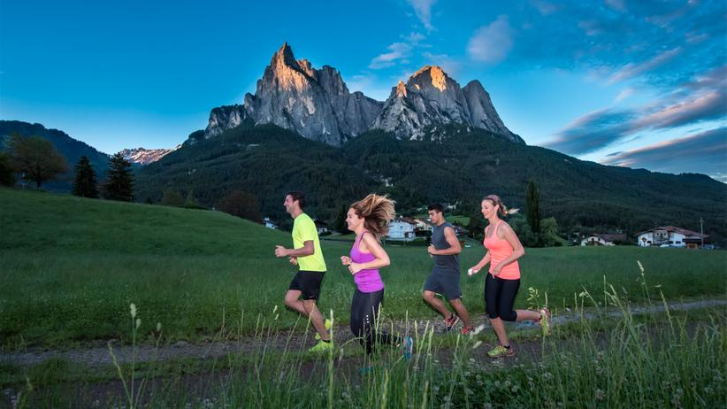 Erlebnisse mit Bewegung: Morgenwalk & -lauf: Sonnenaufgang mit Frühstück in der Natur