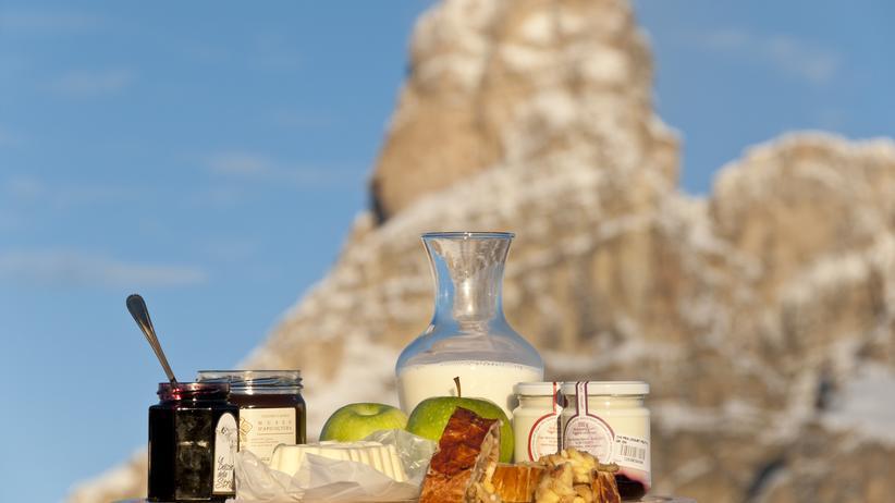 Der Erste sein: Alta Badia - Frühstück mit Pulverschnee