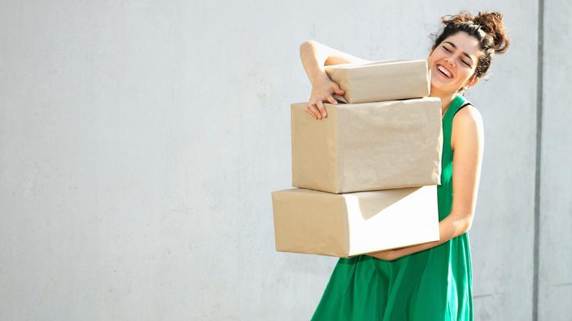 Ausbildung: Immer mehr Deutsche kaufen Klamotten, Bücher, Smartphones und Lebensmittel im Internet.