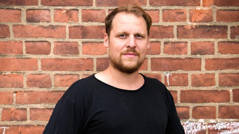 Gehalt: 150 Euro legt Philipp monatlich für den Jahresurlaub mit seiner Familie zurück.