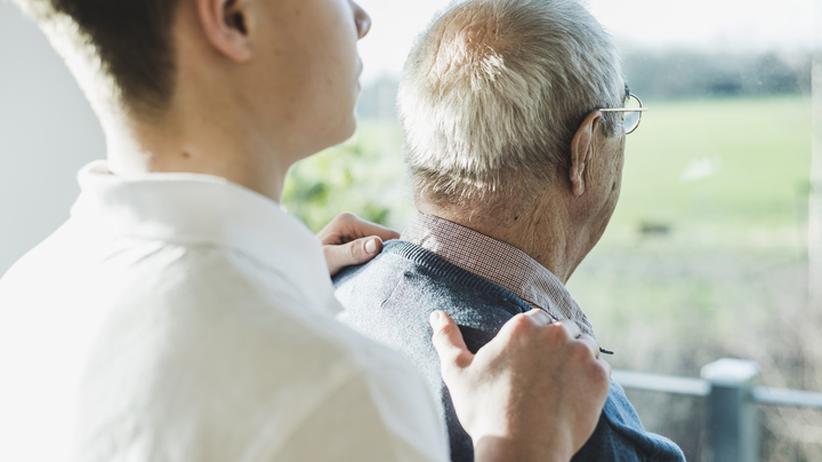 """Altenpflege: Konflikte eines Altenpflegers: """"Wenn ich weg bin, wird die Situation für die alten Menschen auch nicht besser."""""""