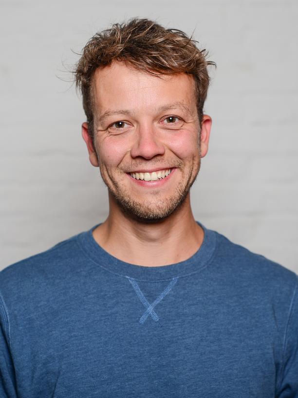 """Grundeinkommen: Seit Sommer 2014 sammelt Michael Bohmeyer, der Gründer des Vereins """"Mein Grundeinkommen"""", per Crowdfunding Geld für bedingungslose Grundeinkommen. Sobald 12.000 Euro zusammen gekommen sind, verlost der Verein ein Jahresgrundeinkommen für eine Person."""