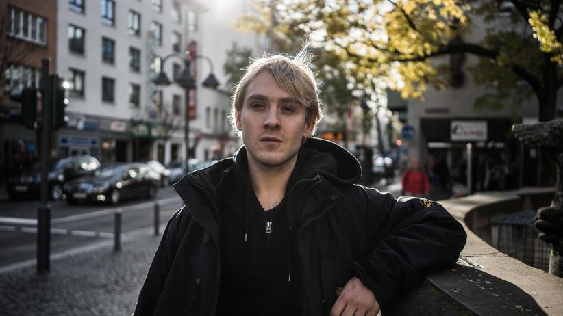 """Schauspieler: """"An manchen Tagen bin ich dann von 10 bis 22 Uhr beschäftigt. Aber das macht mir nichts aus, ich arbeite gern"""", sagt Gregor Andreska."""