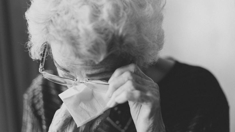 Altersarmut Frauen: Scheitert die Ehe, sind Frauen, die für die Familie aus dem Job ausstiegen sind, besonders anfällig für Altersarmut.