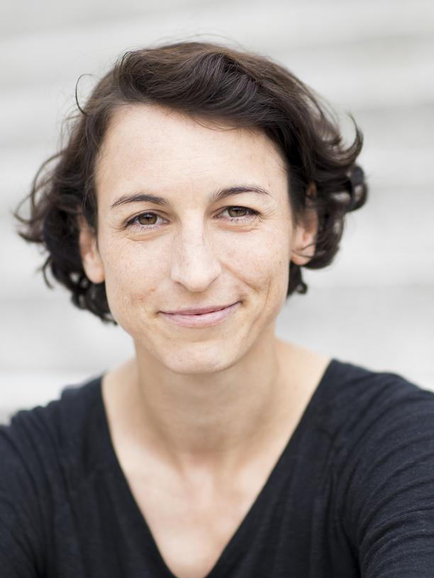 """Geldanlage: Natascha Wegelin, Unternehmerin und Bestseller-Autorin, begleitet mit ihrem Projekt """"Madame Moneypenny"""" Frauen in die finanzielle Unabhängigkeit."""