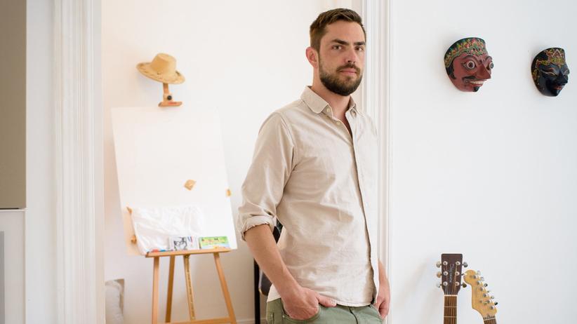 Assistenzarzt:  Thomas Große* spart 1.200 Euro im Monat – und lässt das Geld auf dem Konto liegen