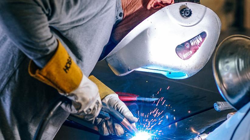 Viele Arbeitnehmer werden 2019 finanziell etwas entlastet.