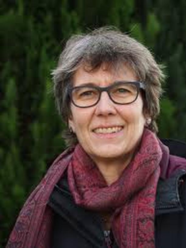 """Künstliche Intelligenz: Manuela Lenzen ist freie Wissenschaftjournalistin und schreibt vor allem über Kognitionsforschung und Künstliche Intelligenz. Im letzten Jahr erschien ihr Buch """"Künstliche Intelligenz. Was sie kann und was uns erwartet"""" (C.H.Bek Verlag)"""