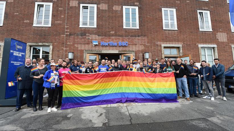 LGBT+: Nur wenige wagen Coming-out am Arbeitsplatz