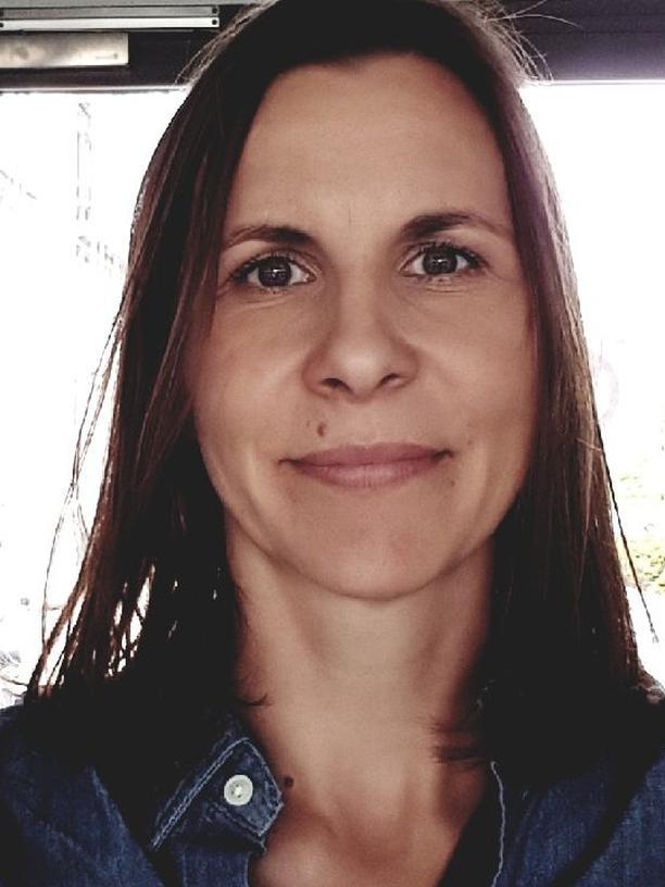 """Work-Life-Balance: Carla Pohlink ist Fachärztin Innere Medizin und Sexualmedizin. Sie führt eine Praxis  auf dem Land bei Altenburg in Thüringen und hat ein Buch namens """"Guter Sex ohne Stress"""" geschrieben."""