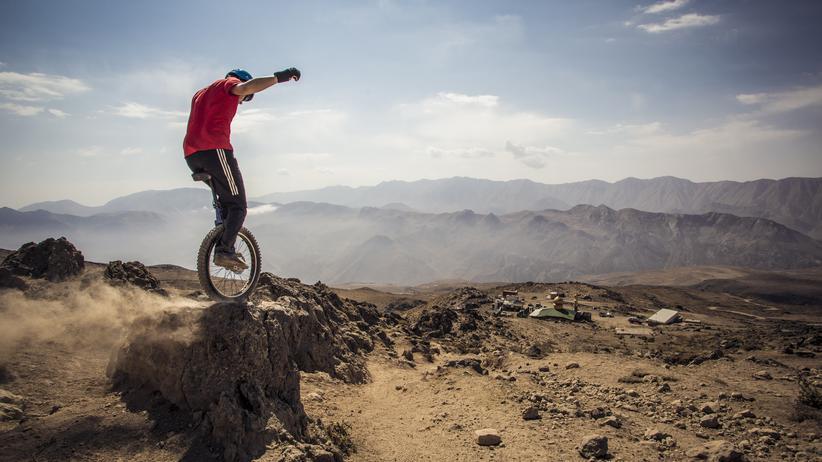 Extremsportler: Drei Jahre lang hat Lutz seine Abfahrt vom 5.671 Meter hohen Damawand im Iran geplant.