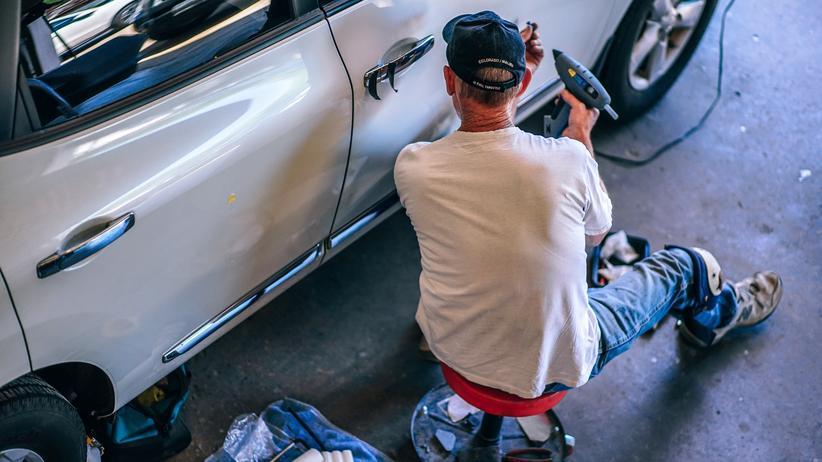 """Kfz-Mechatroniker: """"Ich musste mir trotz 40-Stunden-Woche Geld leihen"""""""