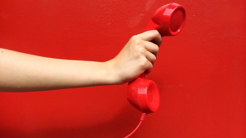 Kommunikation am Arbeitsplatz: Muss man wirklich jedes Mal zum Hörer greifen, wenn es Berufliches zu klären gibt?