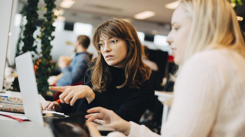 Praktikanten: Nicht nur junge Menschen sind auf Praktika angewiesen, sondern auch viele Unternehmen auf Praktikanten.