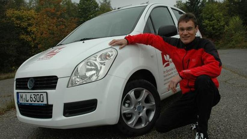 Christian Gusic bietet in seinem Elektroautohaus unter anderem den German E Cars Stromos an