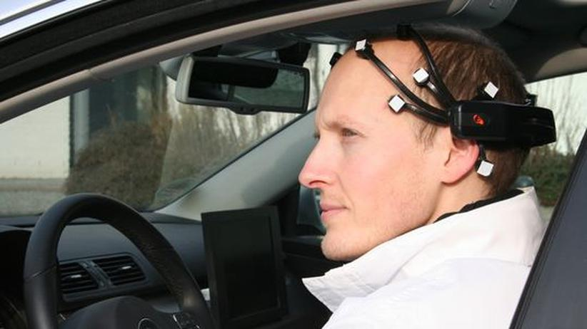 Automobilforschung: An links denken, und das Auto biegt ab