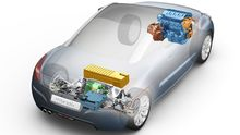 Allrad-Hybridtechnik im Peugeot RCZ Hybrid4: Vorn wirkt ein Verbrennugsmotor (oben), an der Hinterachse (unten) ein Elektromotor