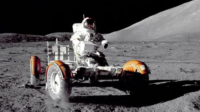 40 Jahre Mondauto: Mit acht Stundenkilometern am Mondkrater vorbei