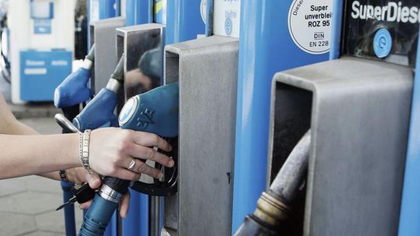 Benzinpreis: Benzin so erschwinglich wie vor 30 Jahren