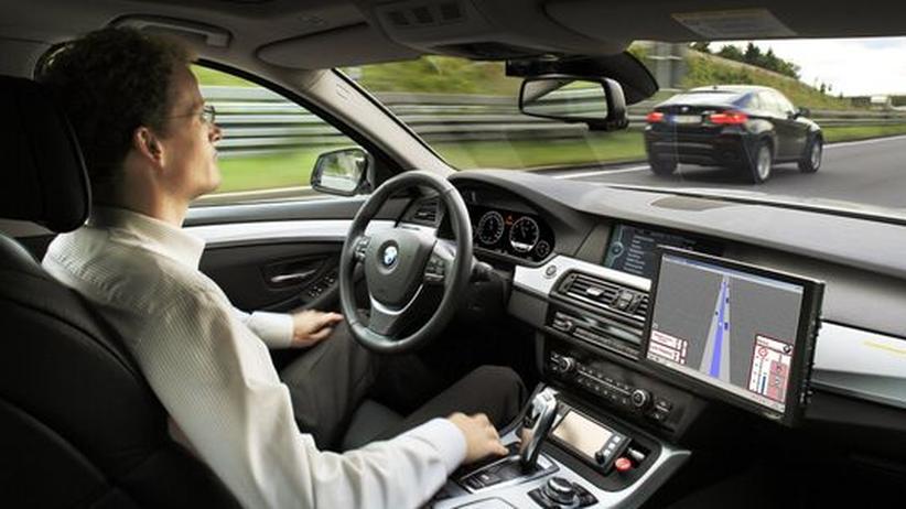 Hände weg vom Lenkrad: Computergesteuertes Autofahren in einem umgerüsteten 5er-BMW