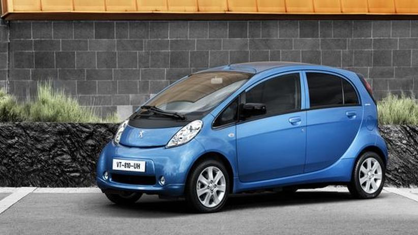Pkw-Absatz: Elektroautos als Ladenhüter