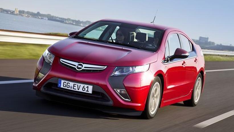 Opel Ampera im Praxistest: Die Wahl zwischen Zapfsäule und Steckdose