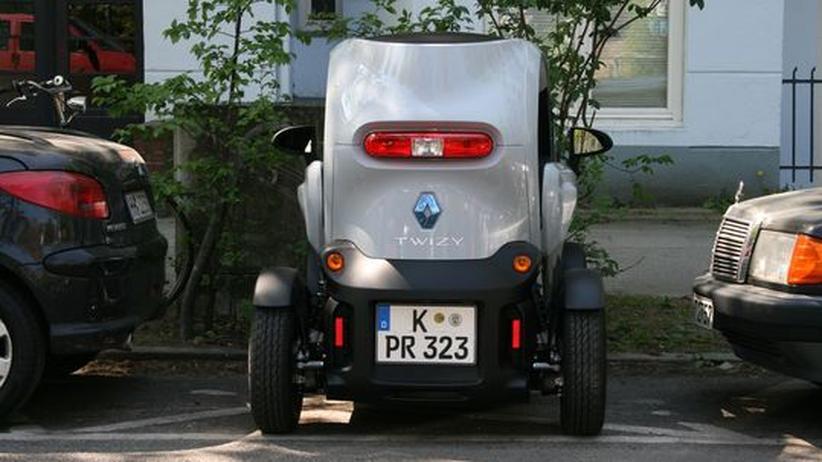 Mikrofahrzeug: Eine Parklücke findet der Twizy immer