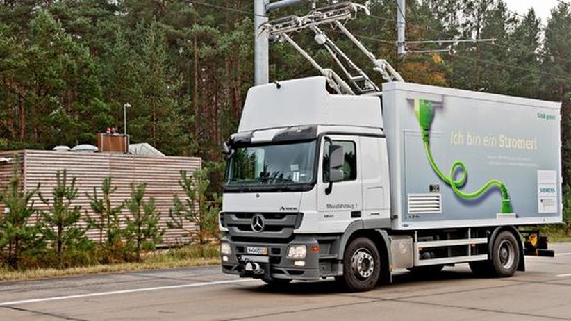 Elektromobilität: Umweltrat schlägt Oberleitungen für Autobahnen vor