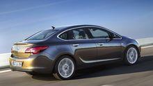 Opel bringt den Astra nun auch als Limousine mit separatem Kofferraum auf den Markt.