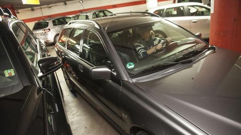 Parkhäuser: 2,30 Meter Breite reicht modernen Autos kaum