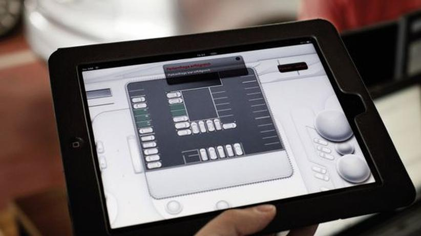 Autoelektronik: Siri zieht ins Fahrzeug ein