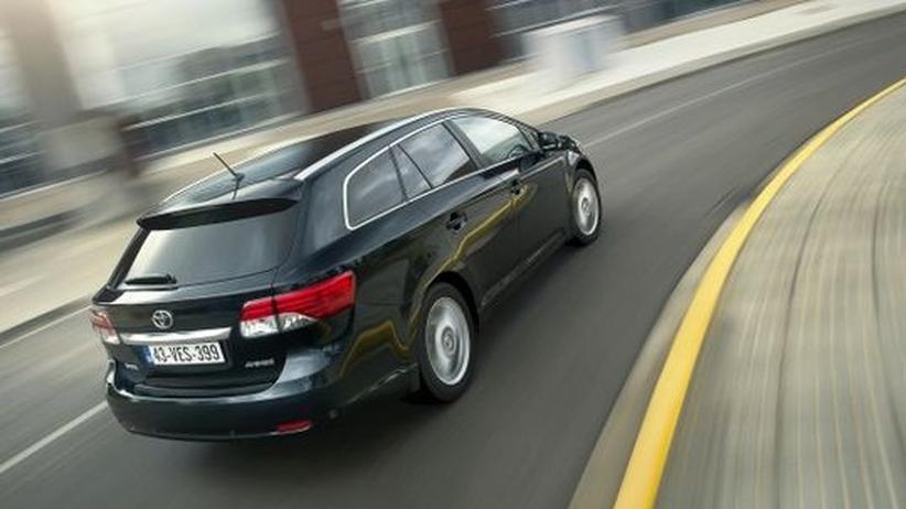 Toyota Avensis 2.0 D-4D Combi: Von A nach B