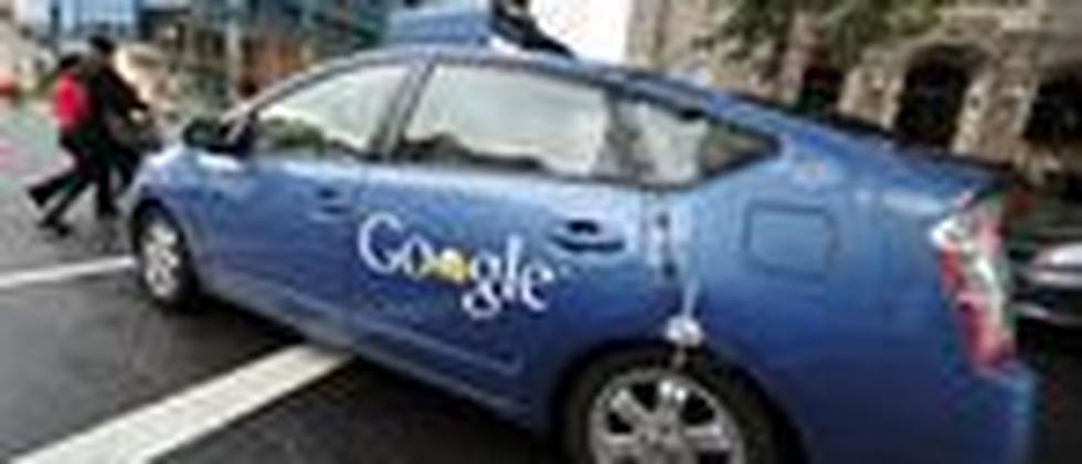 Ein selbstständig fahrendes Auto von Google steuert durch Washington (Archivbild vom Mai 2012)