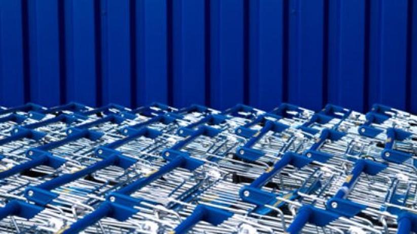 Kapitalismus: Einkaufswagen am Supermarkt: Wie lange können wir unserer Konsumlust noch frönen?