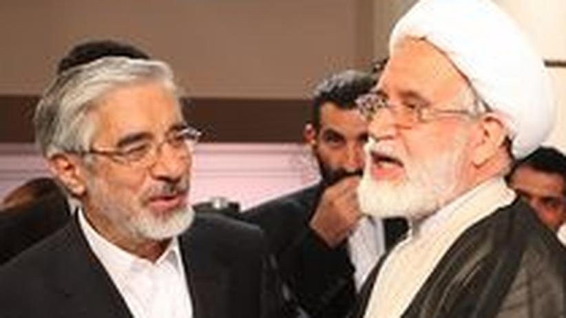 Mir-Hossein Mussawi (l.) und Mehdi Karoubi