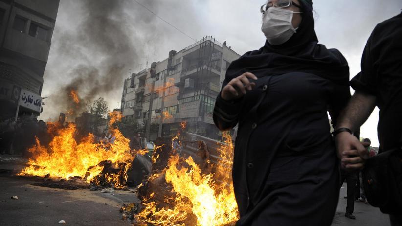 Aufruhr in Iran: Droht jetzt ein Bürgerkrieg?