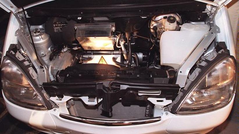 Der Brennstoffzellen-Motor eines Mercedes-Versuchswagens
