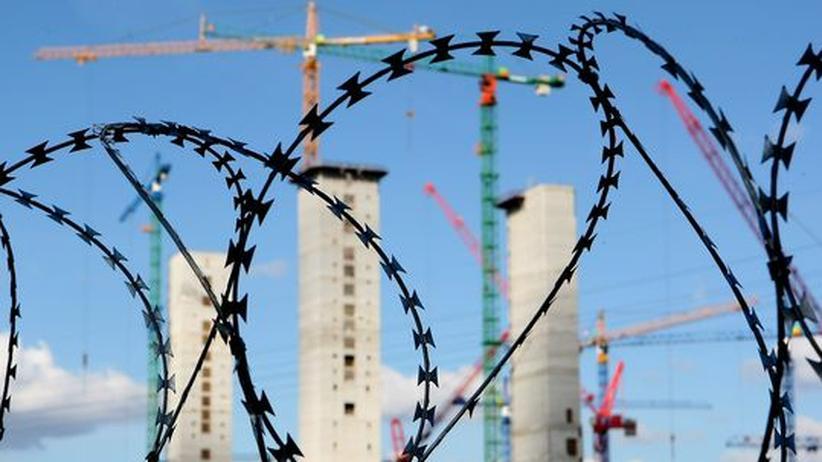 Kraftwerk Moorburg: In Hamburg-Moorburg baut Vattenfall zurzeit ein Kohlekraftwerk. Vor einem Weltbank-Schiedsgericht wehrt sich der Energiekonzern gegen Umweltauflagen