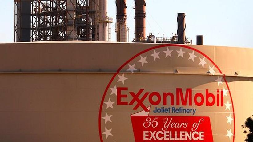 Ein Ölbohrturm des amerikanischen Konzerns ExxonMobile