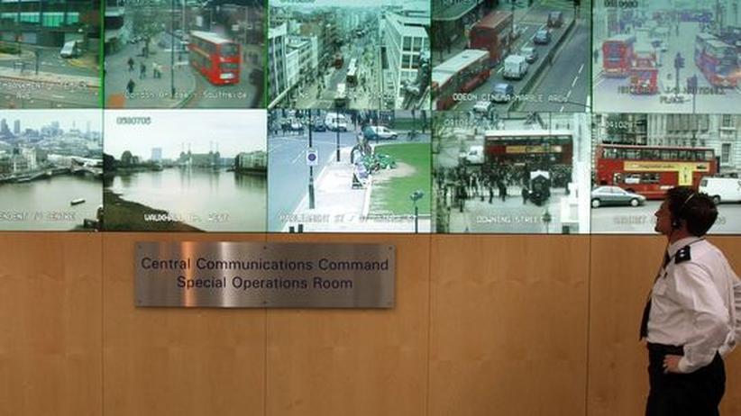 Video-Überwachung: Alles im Blick? Die Londoner Polizei hat viele Kameras, aber zu wenig Beamte, um die Datenmengen auszuwerten.